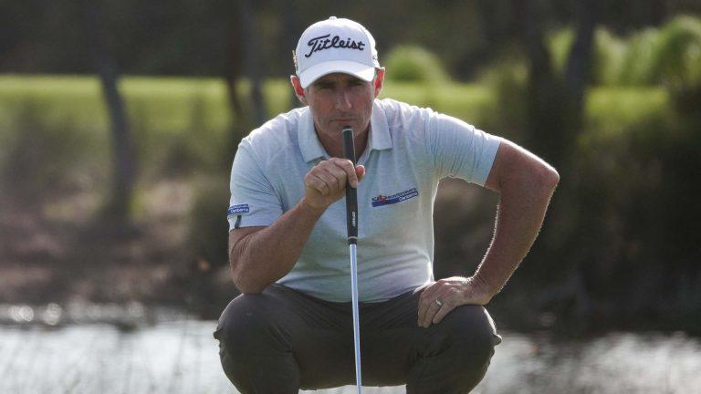 Matt Millar contemplates a birdie Putt at the AVJennings NSW Open