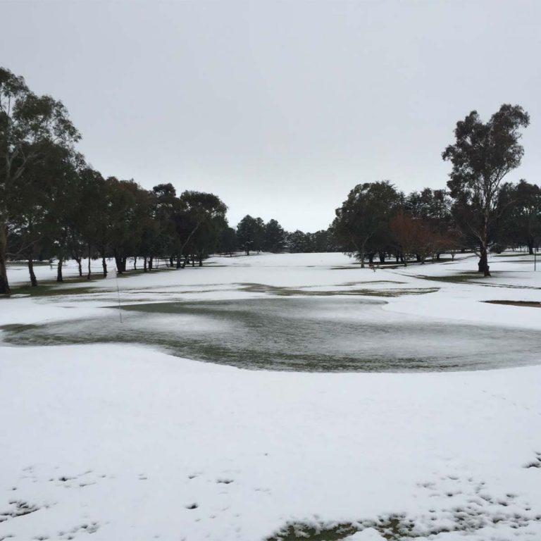 Bathurst Golf Club under snow