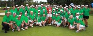 2019 Women's NSW Open Champion Meghan MacLAren poses with the volunteers at Queanbeyan Golf Club