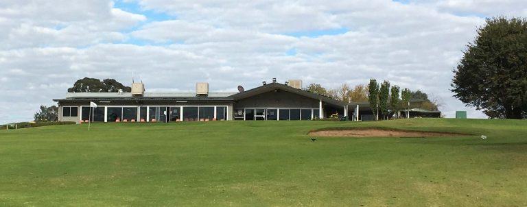 Cowra Golf Club view of club house