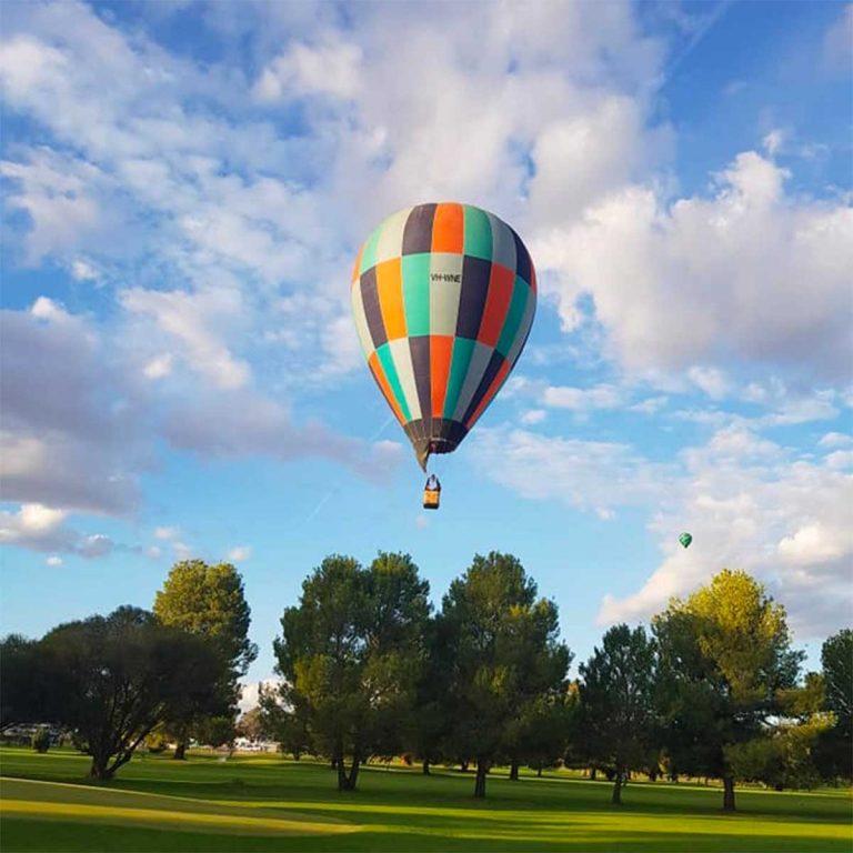 Hot air Balloon over Canowindra Golf Club