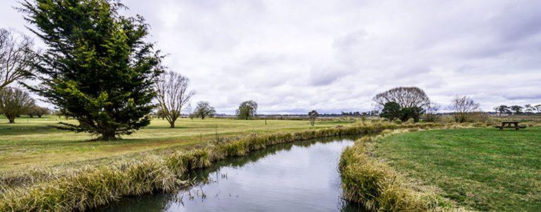 Guyra Bowling & Recreation Club surrounding Mother of Ducks Lagoon