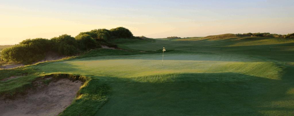 Magenta Shores Golf and Country Club