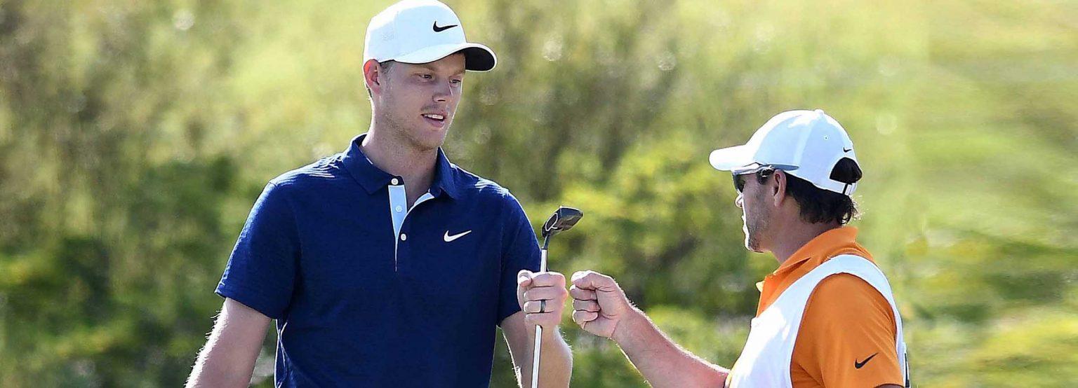 Golfers first bump